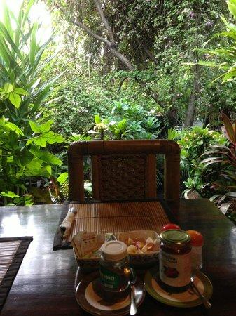 """Geria Giri Shanti Bungalows: """"Dinning Room"""""""