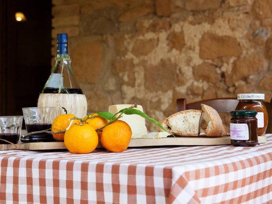 Borgo de' Salaioli: aperitivo in maremma