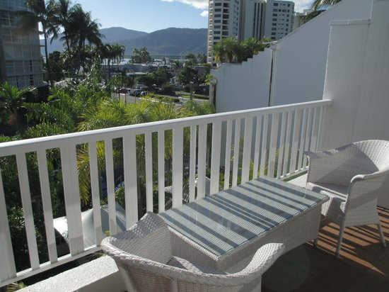 The Hotel Cairns: Nice Balcony in room 401
