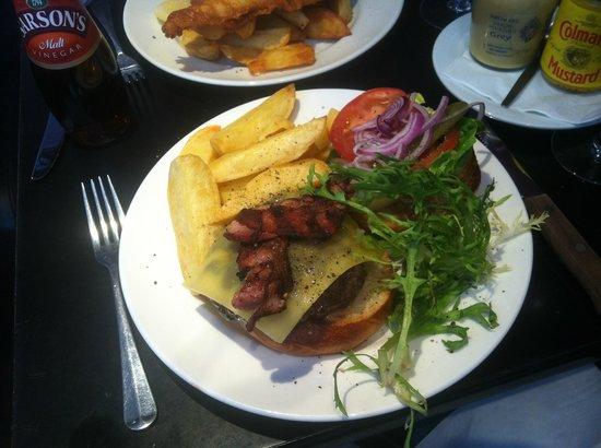 Balans Soho Society Cafe : Balans Burger