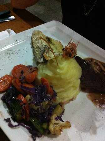 CAVA RESTAURANT & TAVERN: fish, shrimp, beef