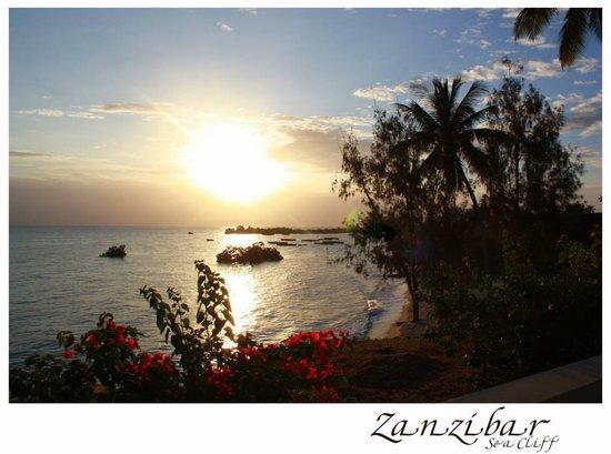 Sea Cliff Resort & Spa: Sunset