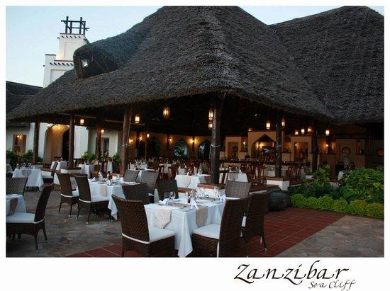 Sea Cliff Resort & Spa: Mangapwani Restaurant