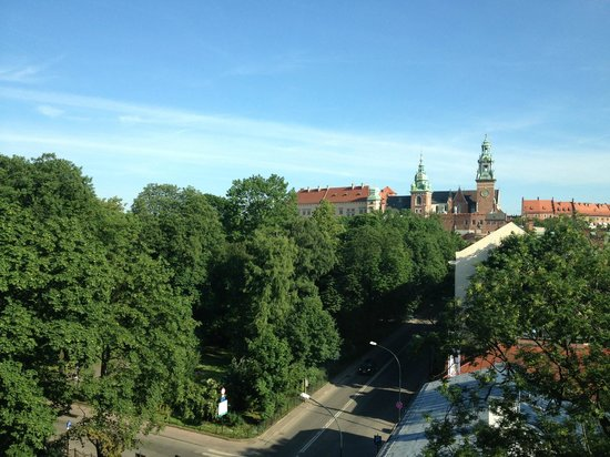Radisson Blu Hotel Kraków : View of park and city from room