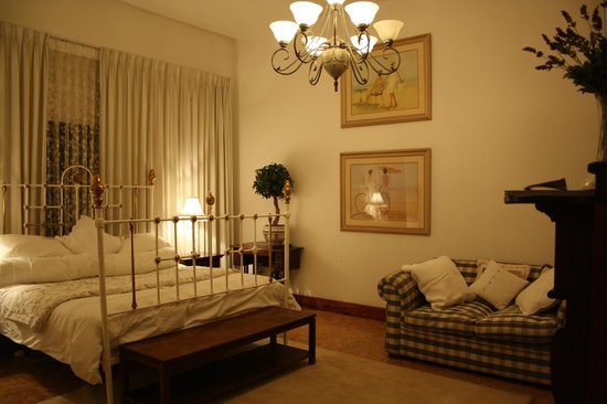 Royston Hall Guesthouse: Photo by Character Stay