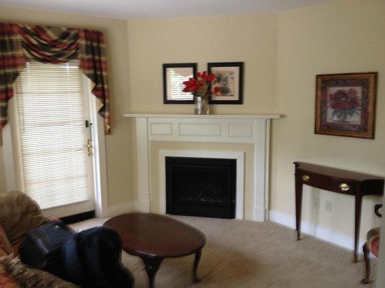 Joseph Ambler Inn: Sitting area