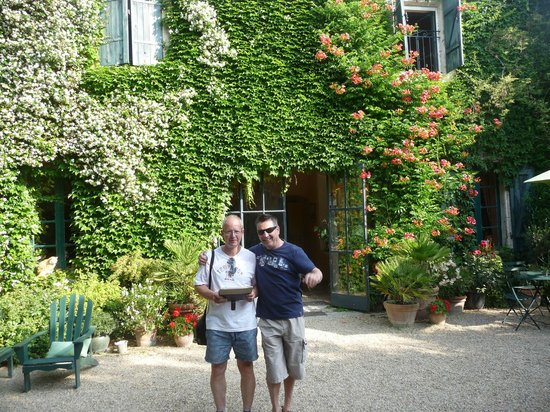 Le Mas de Barbut: Relaxed in the grandeur of a large  fabluous home