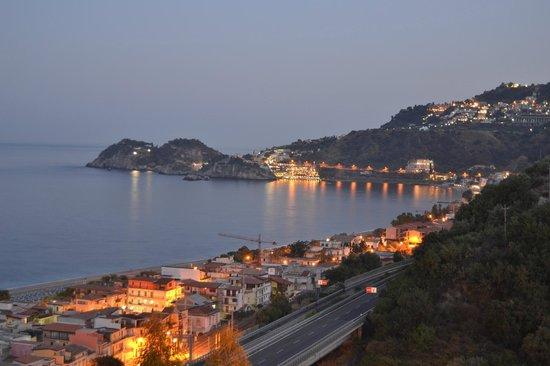 Le Terrazze: Vista di Taormina dalla mia Camera