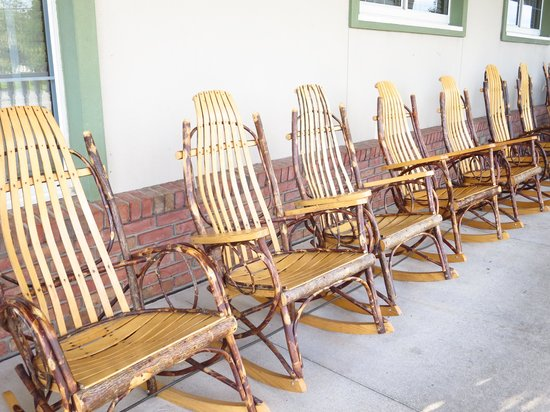 Delightful Der Dutchman Restaurant: Rocking Chairs For Sale .