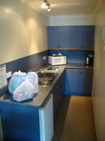 Lakeside Motel & Apartments: COcina