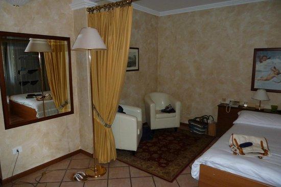 Residence Hotel Olimpia: Wohnraum