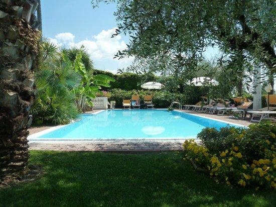 Residence Hotel Olimpia: der Pool