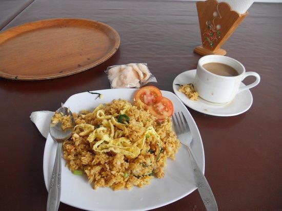 Puri Jayaraja Guest House: Nasi Goreng