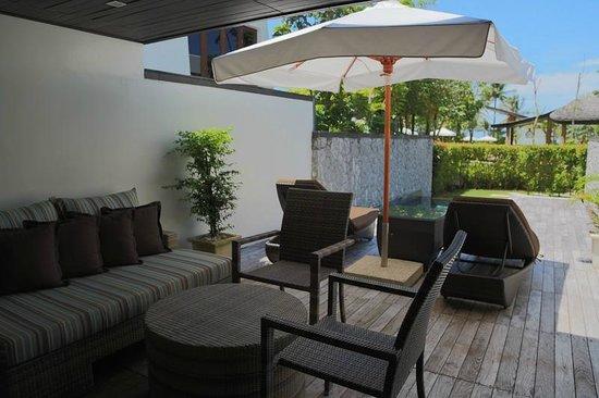 Natai Beach Resort & Spa, Phang-nga: the sun deck