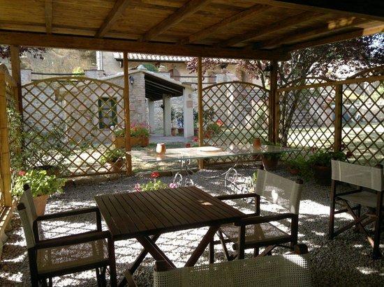 Villa Loghino: patio