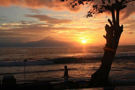 Qunci Villas Hotel: unbelievable sunsets