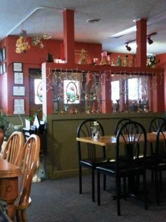 Red Jasmine Thai Cuisine: Red Jasmine Inside