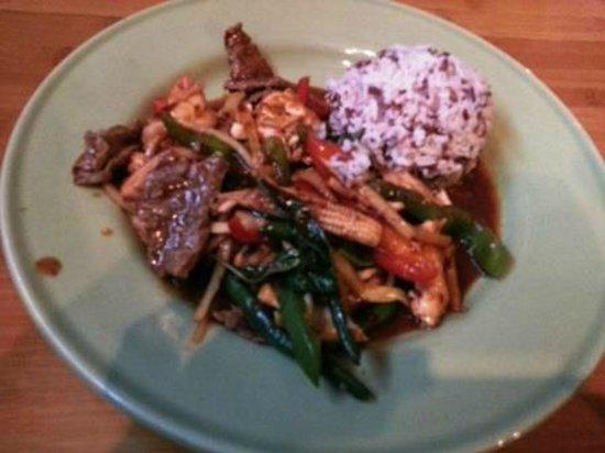 Red Jasmine Thai Cuisine: The Very Hot dish!!!