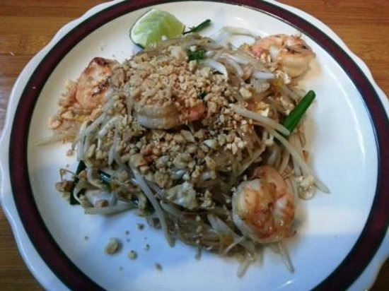 Red Jasmine Thai Cuisine: Great Phad Thai