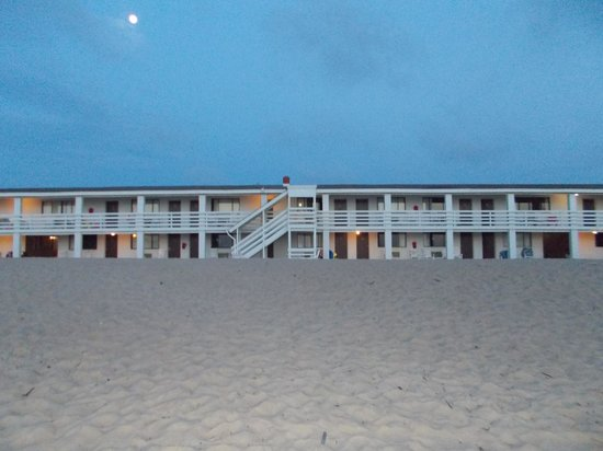 Outer Banks Motor Lodge: Beachfront rooms