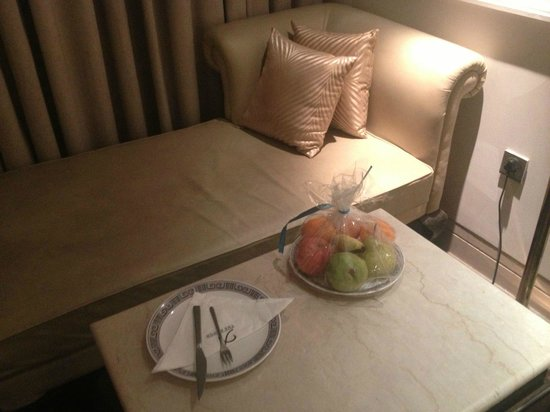 The Ashok: Fruta de Bienvenida