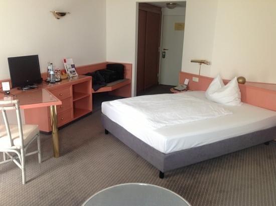 Seminaris Hotel Bad Boll: habitacion estandar