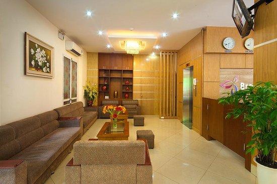 Brandi Hotel: Hall