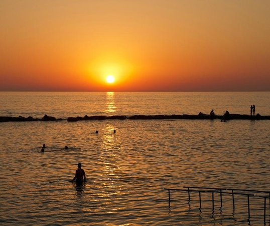Hotel St. George: Sunset swim