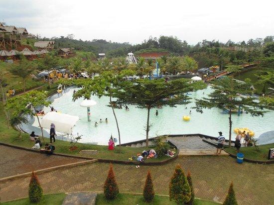 Ciamis, Ινδονησία: Kolam Renang di Mega Wisata Icakan