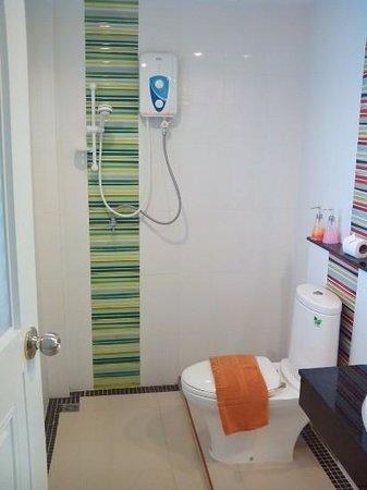Green Harbor Hotel & Service Apartments: bathroom