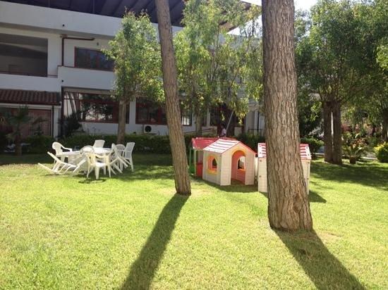 Sellia Marina, Italia: area giochi mini club