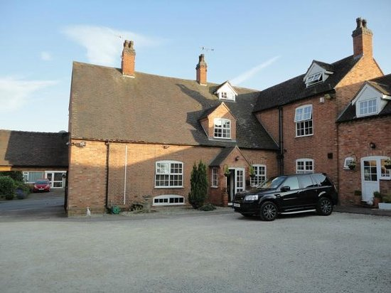 Kirkby House Hotel: parking