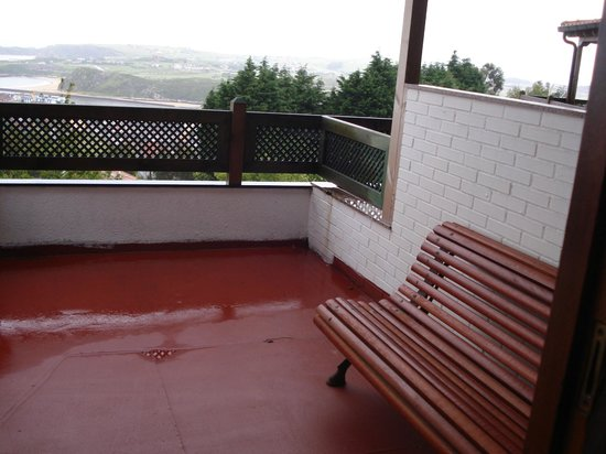 Hotel Montanes: Terraza