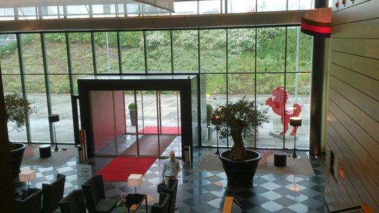 Mövenpick Hotel Stuttgart Airport & Messe: Foyer