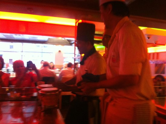 Sapporo Teppanyaki - Glasgow : Chefs help celebrate a birthday