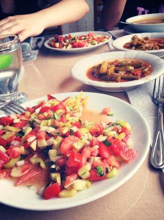 Aspawa Pension Hotel : Our colourful spread!