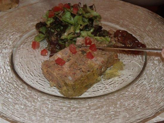 Auberge la Bartavelle: terrine de lapin maison et sa confiture de rhubarbe