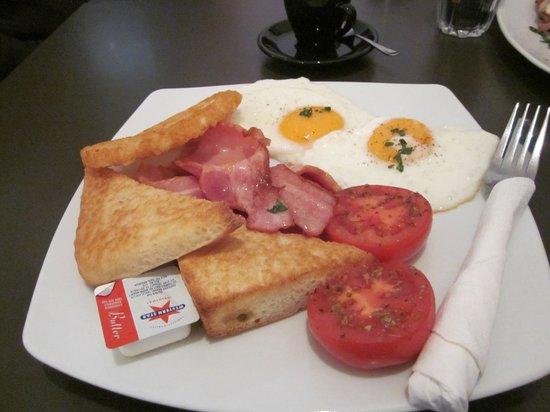 Sazon Espresso: Best breakfast in the Hills