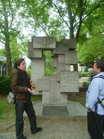 Berlin Jewish Tours: Yoav at work