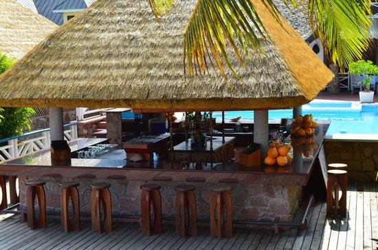 La Digue Island Lodge: pool bar
