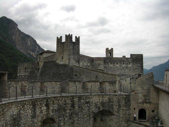 Castel Beseno: Il castello