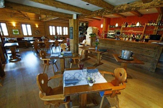 Hôtel La Ferme du Chozal : Resto