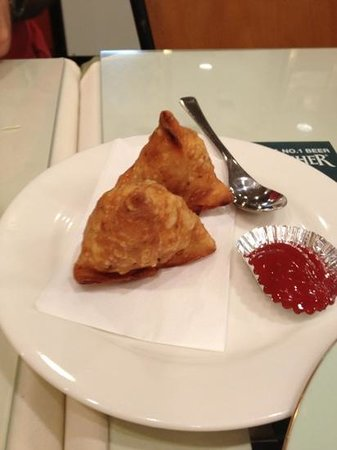 Indokicchin: samosa (with red sauce)