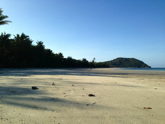 Prema Shanti Yoga & Meditation Retreat: Glorious Daintree beaches