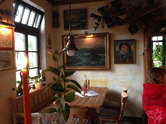 Gasthaus & Pension Zum Hiddenseer: Urig und gemütlich speisen