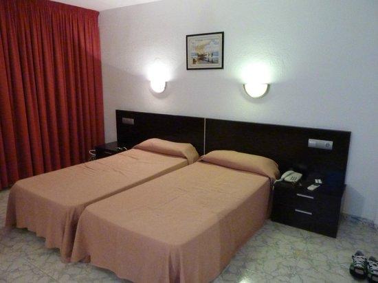 FERGUS Paraiso Beach Hotel: beds room 116