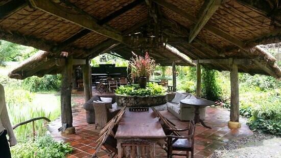 Moon Garden Tagaytay: sitting area