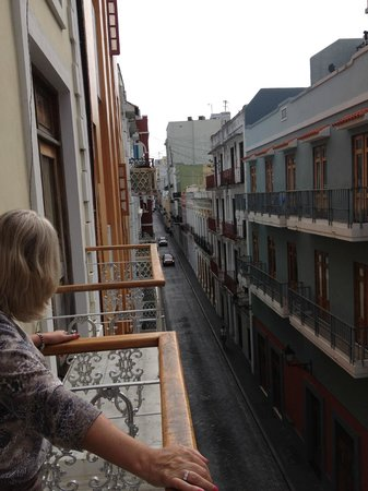 Cervantes: Very quaint streets in Old San Juan. West view from balcony.
