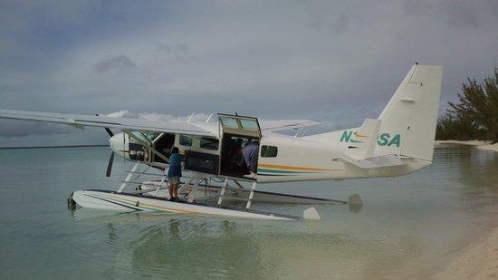 Tiamo Resort: Sea plane for familly 12 seats