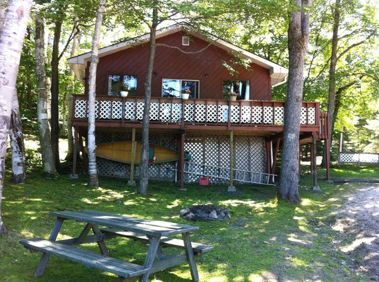Lakeview Cottages: Woodland Cottage